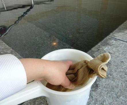 桶と入浴剤.JPG